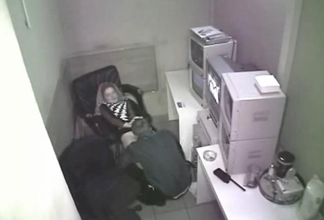 фото скрытой камерой на кухне секс: