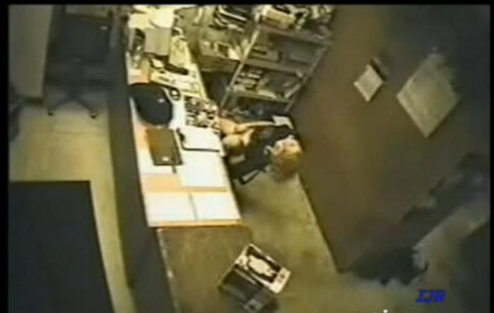 Секс на скрытую камеру на рабоче месте