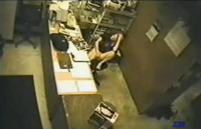 Секс со скрытой камерой на работе