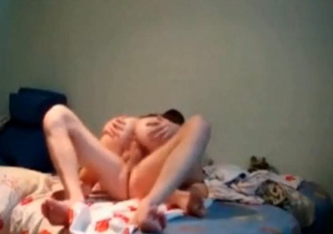 Парень снимает секс с бывшей девушкой