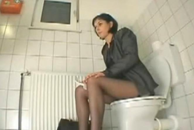 нужные слова... супер, парни дрочат в мужском туалете сайтец, однако нужно
