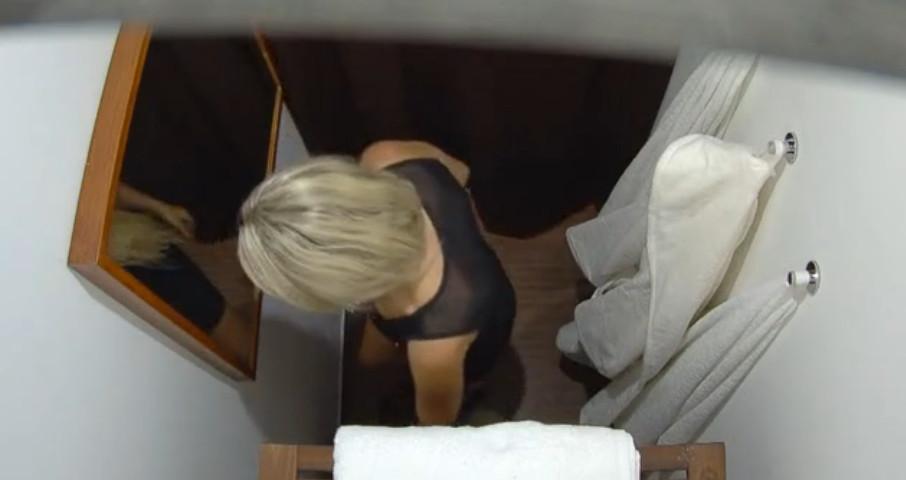 Скрытая камера в массажном кабинете смотреть