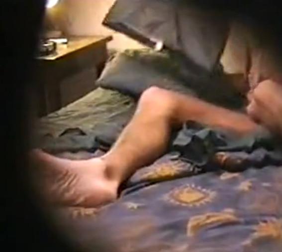 soski-kak-muzhchini-drochat-skr-kamera-roliki
