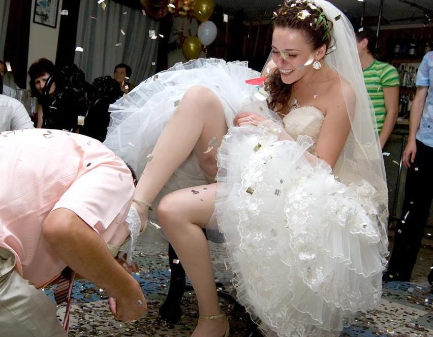 Подсматриваем за девушками на свадьбе фото 534-785