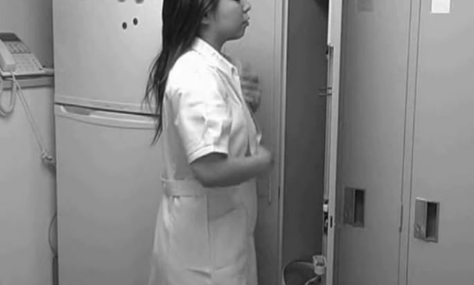 Скрытая камера у медсестры