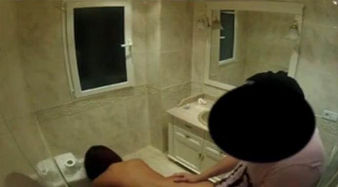 порно сантехник скрытая камера