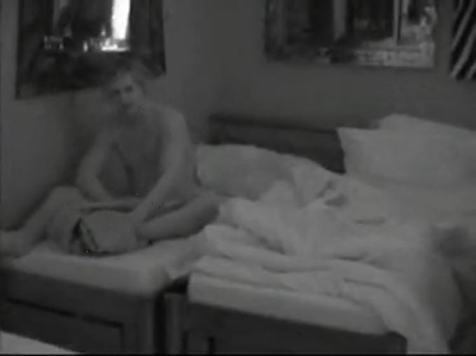 Скрытая камера секс в спальне