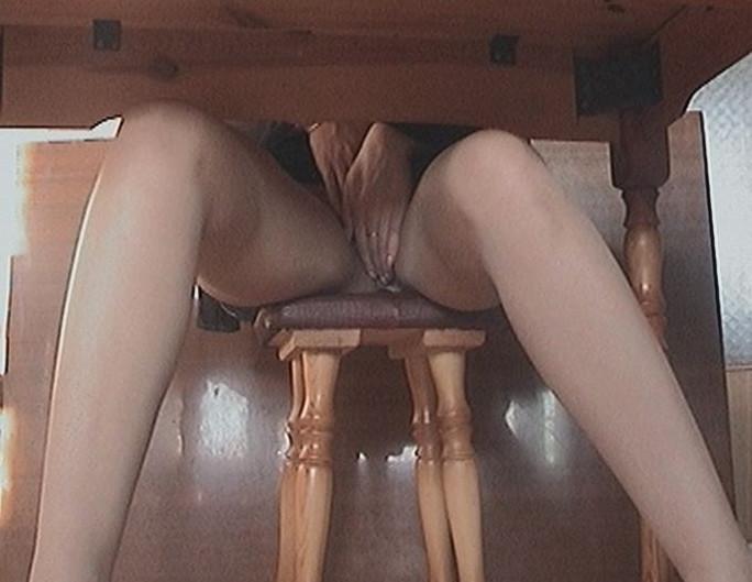 Порно Видео Веб Камера Под Столом
