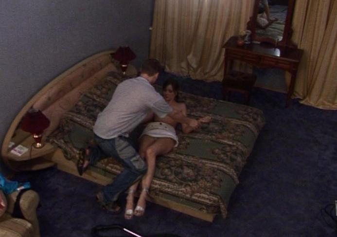 Скрытая камера в съемной квартире секс фото 256-180