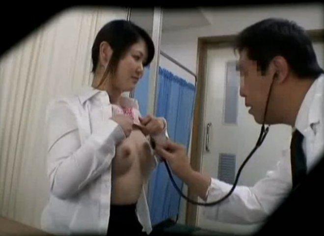 смотреть порно азиатка у врача