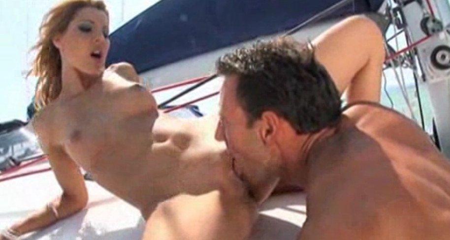 Секс на яхте и на пляже